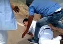 भाजपा सांसद को कांग्रेस-कार्यकर्ताओं ने पीटा, इतना मारा कि लंगड़ाते हुए कार तक पहुंचे