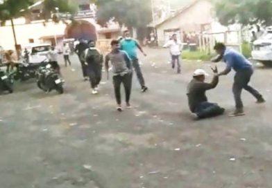 भोपाल में आश्रम-3 की शूटिंग के दौरान प्रकाश झा से झूमाझटकी, टीम को दौड़ा-दौड़ाकर मारा, गाडि़यां तोड़ी